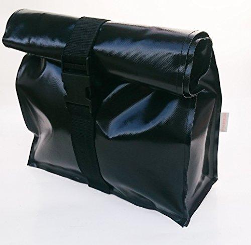Kulturtasche XL aus LKW Plane schwarz von TITA BERLIN