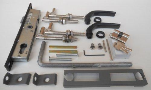 Einfahrtstor Zwei-Flügelig / Bögen / Grau beschichtet / 300cm x 100cm (BxH) / Inkl.: Zylinder-Schloss mit 2 Schlüsseln / Drücker-Garnitur / 1 Satz Montage-Material / Gartentor