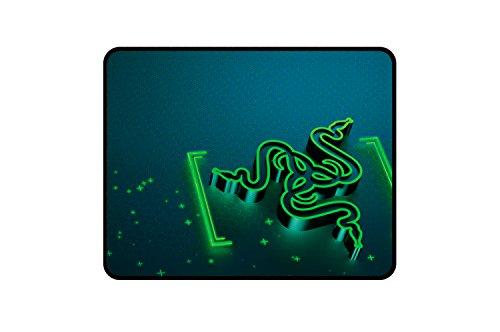 Razer Goliathus Small Control Soft Gaming Mausmatte (professionelle Gamer, Gravity Design) -