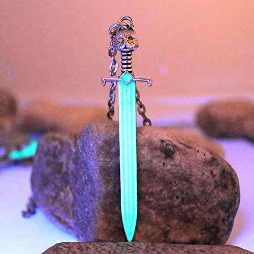YANOAID Wolf Sword Luminous Necklace Schneien Sie Den Longclaw-Anhänger Mit Der Stahlklinge Glow In The Dark-Geschenk