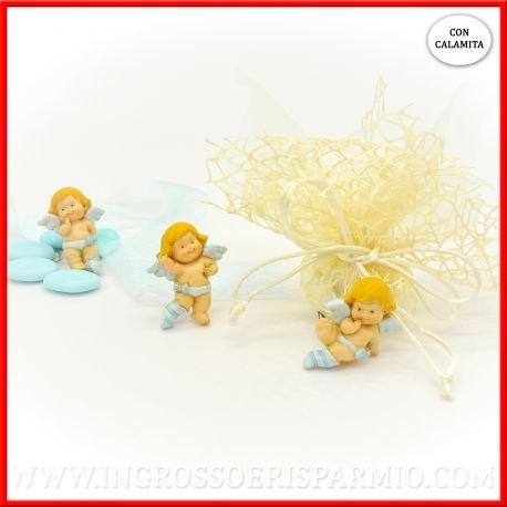 Magnete/calamita in resina colorata a forma di piccolo angioletto custode con ali bianche e abitini di colre celeste in tre varianti assortite da maschietto - bomboniere battesimo,nascita,comunione, primo compleanno (kit 12 pz)