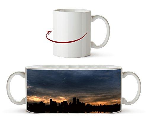 Manhattan Skyline bei Sonnenaufgang als Motivetasse 300ml, aus Keramik weiß, wunderbar als Geschenkidee oder ihre neue Lieblingstasse.