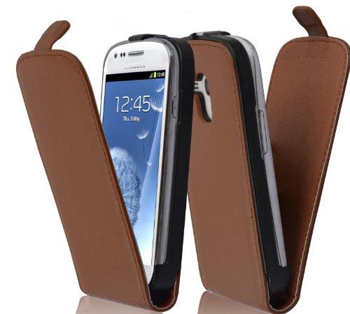 Preisvergleich Produktbild Cadorabo Hülle kompatibel mit Samsung Galaxy S3 MINI Hülle in KAKAO BRAUN Handyhülle aus glattem Kunstleder im Flip Case Cover Schutzhülle Etui Tasche