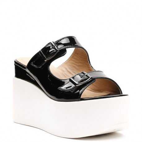 Ideal Shoes - Sandales vernies à plateforme Lalyna Noir