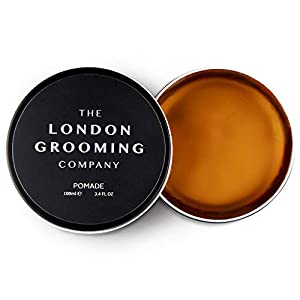The London Grooming Company Pomada para Hombres – Fijación Fuerte, Producto de Cabello Basado en Agua – 100 ml / 3,4 oz fl – Aroma de Madera de Laúd Árabe