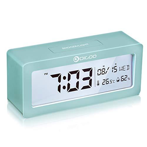 DIGOO Reloj despertador digital, LCD Reloj alarma con pilas con monitor de temperatura y humedad, función de repetición, calendario, reloj de escritorio del dormitorio, regalo para niños