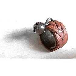 Fairy's ring_Anillo de cuero trenzado inspirado en la tradicion celta de culto a los seres elementaes.