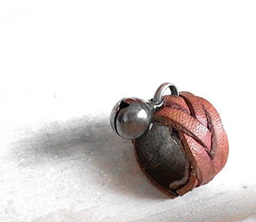 fairys-ring-anillo-de-cuero-trenzado-inspirado-en-la-tradicion-celta-de-culto-a-los-seres-elementaes