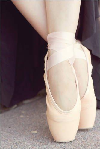 Poster 40 x 60 cm: Ballerina´s Füße in Pointe von Editors Choice - hochwertiger Kunstdruck, neues Kunstposter (Ballerina Editor)