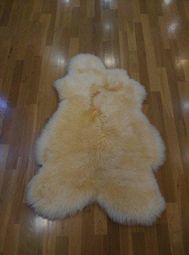 Zerimar Alfombra piel de cordero Medidas: 100x70 cms Curtido ecológico en europa Ideal para bebes y personas impedidas de larga estancia Pelo natural de 5 a 10 cms Lavable con cepillo