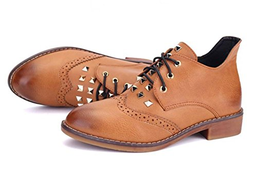 La signora della molla e scarpe autunno con grossi stivali in pizzo stivali donne single rivetti stivali femminili a punta Brown