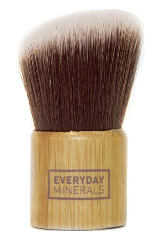 everyday-minerals-angled-kabuki-brush-by-everyday-minerals