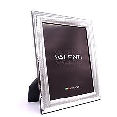 Idea Regalo - Valenti&Co - Cornice Portafoto in Argento Lucida Martellata cm 20x25. Ideale Come Regalo per Matrimonio, Compleanno di Amici, o per la Mamma e papà.
