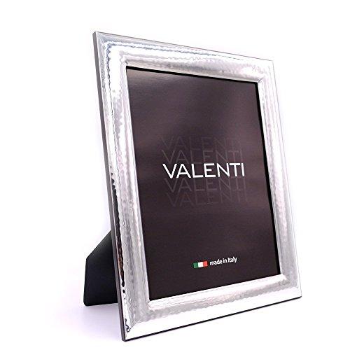 Valenti&Co - Cornice Portafoto in Argento Lucida Martellata cm 20x25. Ideale come regalo per matrimonio, compleanno di amici, o per la mamma e papà.