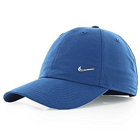 Nike Swoosh Casquette Mixte Adulte, Gym Blue/Metallic Silver, FR : Taille Unique (Taille Fabricant : Taille Unique)
