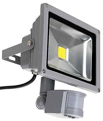 Showlite FL-2020B LED Outdoor Fluter (Flutlicht mit Bewegungsmelder, 20W, 2200 Lumen, IP65, 4500K, tageslicht-weiß)