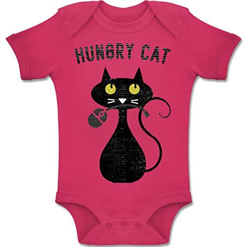 Shirtracer Tiermotive Baby - Hungry Cat - Nerdy Cats - 12-18 Monate - Fuchsia - BZ10 - Baby Body Kurzarm Jungen Mädchen