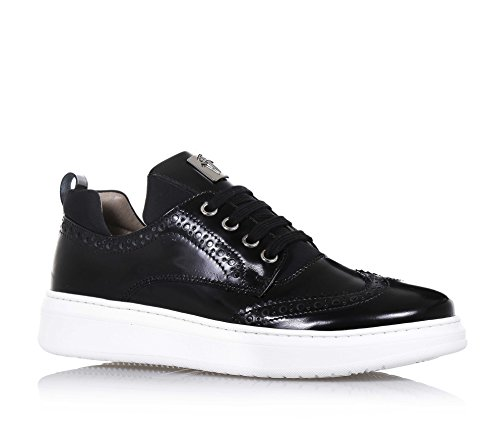 cesare-paciotti-black-lace-up-shoe-made-of-leather-which-can-be-recognized-by-the-refinement-of-mate