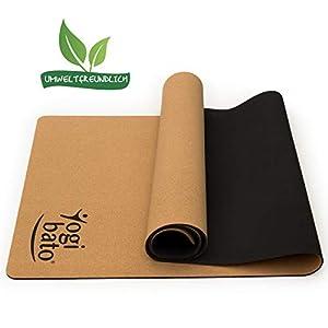 Yogibato Yoga-Matte aus Kork & Naturkautschuk [183 x 61 x 0,4 cm] – Korkmatte mit Tragegurt – Rutschfest & schadstofffrei – Pilates Gymnastik Meditation Training