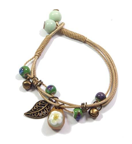 ❤️Pandukan Boho Ethno Style Armband mit hochwertigen Keramik-Perlen (7mm), Glöckchen, Blatt in bronze + Keramik-Anhänger mit Blümchen (10mm x 16mm) (P1251) -