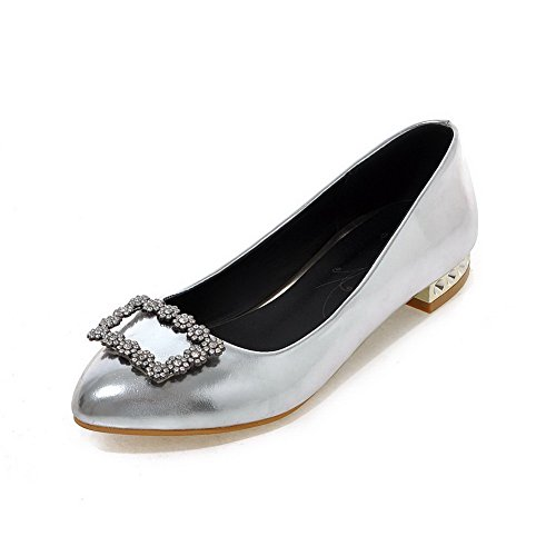 AllhqFashion Damen Spitz Zehe Niedriger Absatz Weiches Material Rein Ziehen Auf Pumps Schuhe Silber
