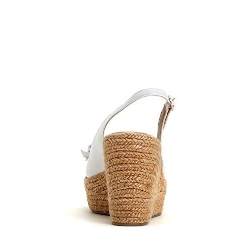 ALESYA by Scarpe&Scarpe - Lacklederschuhe mit Keilabsatz und Schleife, Leder Weiß