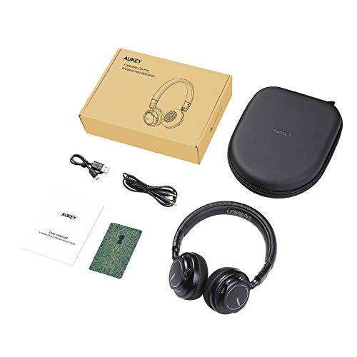 AUKEY Bluetooth Kopfhörer Kabellos on Ear, Dual 40mm Treiber mit Sattem Bass, 18 Stunden Spielzeit, Mikrofon und 3,5-mm-Audioeingang, Transportetui, Ermüdungsfreies Tragen - 8