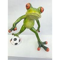 Deko Frosch Fussballer aus Kunststein, 12 x 13 cm, grasgrün