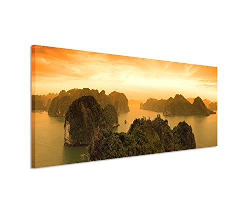 Modernes Bild 150x50cm Landschaftsfotografie - Sonnenaufgang an der Halong Bay in Vietnam