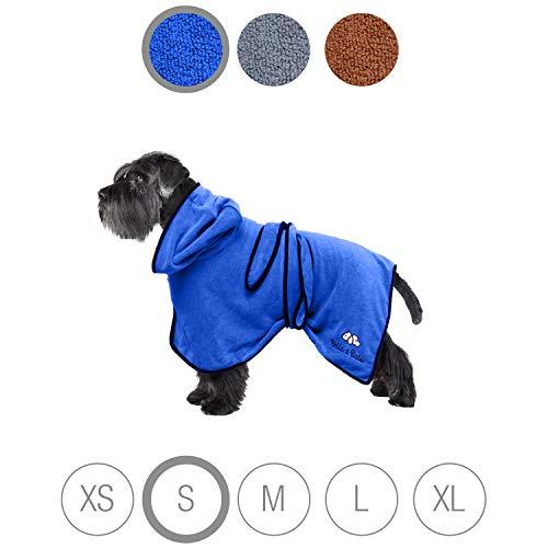 Bella & Balu Hundebademantel aus Mikrofaser – Saugfähiger Hunde Bademantel zum Trocknen nach dem Baden, Schwimmen oder Spaziergang im Regen (S | Blau)