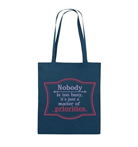 Comedy Bags - Nobody is too busy, it's just a matter of priorities. - Jutebeutel - lange Henkel - 38x42cm - Farbe: Schwarz / Weiss-Neongrün Navy / Violet-Fuchsia