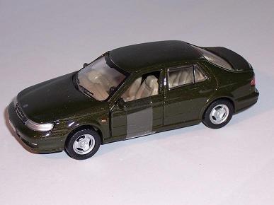 saab-95-9-5-limousine-sedan-braun-schwarz-1-43-cararama-modellauto-modell-auto