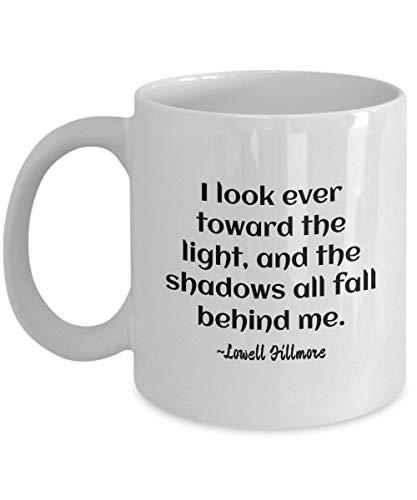 Mike21Browne Inspirierende Zitate Unitys Lowell Fillmore Ich schaue Immer in Richtung des Hellen Kaffeetasse-Geschenks f¨¹r das Positive Leben (Und Sie In Eine Die Richtung, Ich-geschenk-set)
