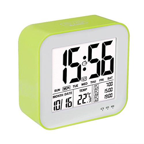 Reloj despertador digital de gran pantalla LCD, 3 alarmas, Retro-iluminación inteligente, con fecha, indicador de temperatura, calendario y luz de noche, Se carga por USB- Verde