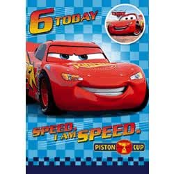 disney cars carte d 39 anniversaire avec badge 6 ans lightning mcqueen jeux et jouets. Black Bedroom Furniture Sets. Home Design Ideas