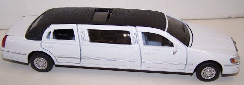 kinsmart-1-38-scale-diecast-1999-lincoln-town-car-stretch-limousine-in-color-white-by-kinsmart-toy-e