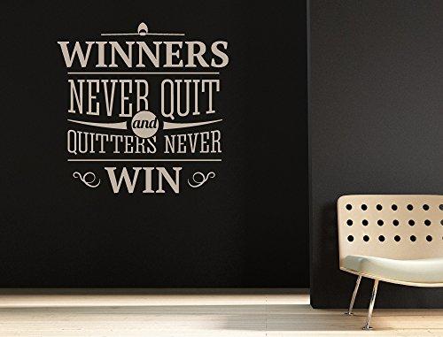 """I-love-Wandtattoo 11971 Wandtattoo Wohnraum Spruch """"Winners never quit, quitters never win"""" Wandworte in Englisch Wanddeko Wandbild Schriftzug Wandverzierung"""