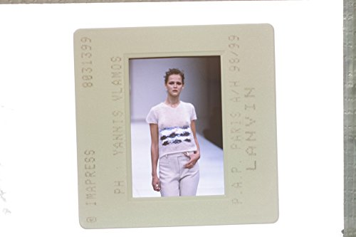 slides-photo-of-a-fashion-show-in-pap-paris-1999-lanvin-collection