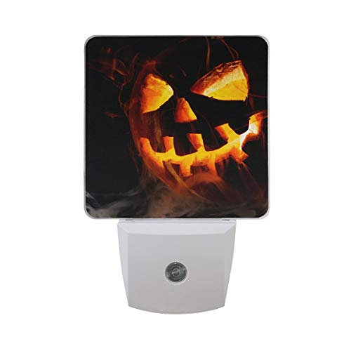 DFISKK Nachtlicht Set of 2 Scary Halloween Pumpkin Old Jack-O-Lantern On Black Background Auto Sensor LED Dusk to Dawn Night Light Plug in Indoor for Adults (Scary Lantern Jack O)