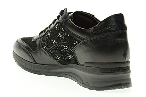 BLACK GARDENS Frauen niedrige Turnschuhe A616054D / 100 Nero