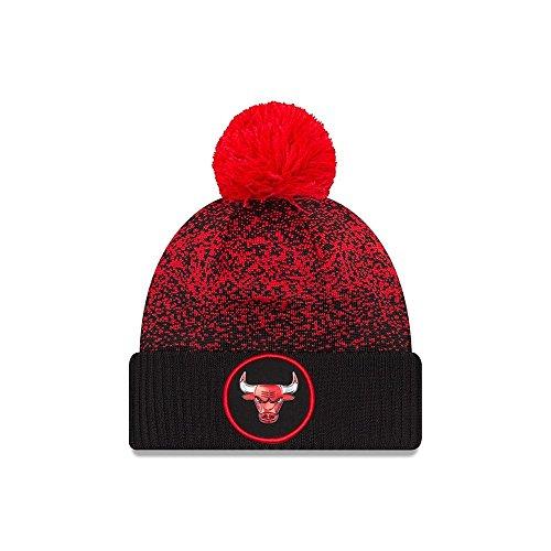e40b99539f228 Anche questo berretto invernale è brandizzato New Era per la collezione NBA.  Risulta estremamente morbido quando indossato e tiene la testa al caldo.