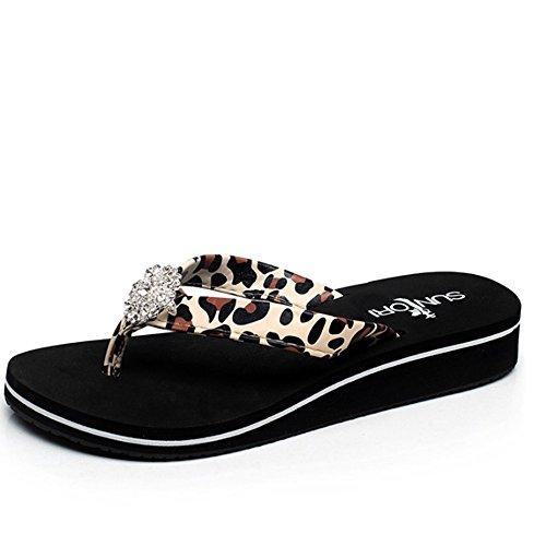 ZHANGRONG-- Mode féminine féminine Chaussons de mots sauvages Personnalité Porter des chaussures de plage En plein air avec des pantoufles froides (3 couleurs en option) (taille facultative) ( Couleur A