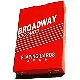 أوراق اللعب الكوتشينة مصنوعة من الورق المعزول - علبة حمراء