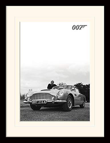 James Bond 30 x 40 cm Connery B W Montée et encadrée