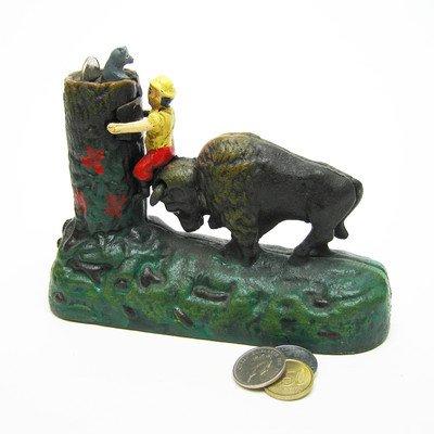 Design Toscano Butting Buffalo Collectors Die en fonte mécanique Tirelire