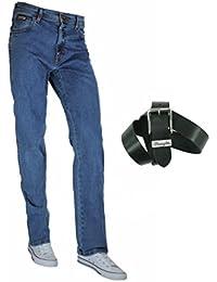 Wrangler Texas Stretch Jeans coupe droite régulière avec ceinture Wrangler basique en cuir, disponible en plusieurs délavages