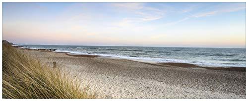 Wallario Acrylglasbild Strandspaziergang im Urlaub an der Ostsee - 50 x 125 cm in Premium-Qualität: Brillante Farben, freischwebende Optik