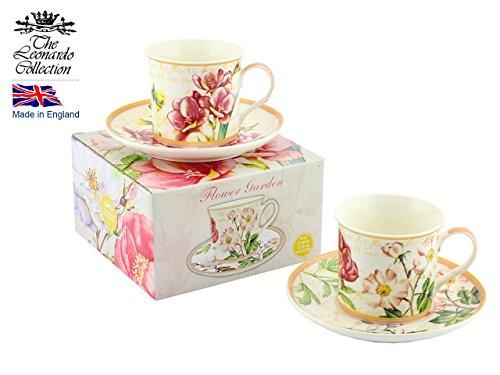 Deux tasses avec leurs soucoupes style fleuri