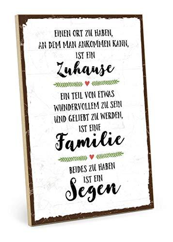 TypeStoff Holzschild mit Spruch - Familie, ZUHAUSE, SEGEN - im Vintage-Look mit Zitat als Geschenk und Dekoration zum Thema Geborgenheit, Liebe und Freundschaft (19,5 x 28,2 cm) -