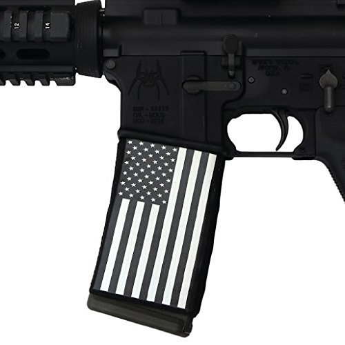 ultimate-arms-gear-ar-mag-cover-socs-for-30-40rd-polymer-pmag-mags-usa-american-black-white-flag-by-